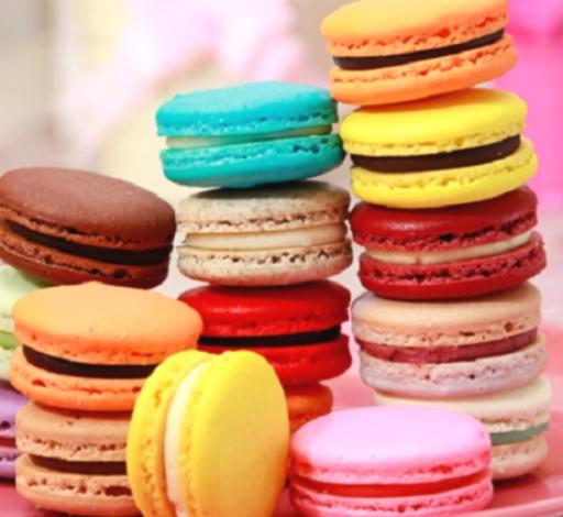 طرز تهیه شیرینی ماکارون از شیرینی فرانسوی پرطرفدار و مجلسی