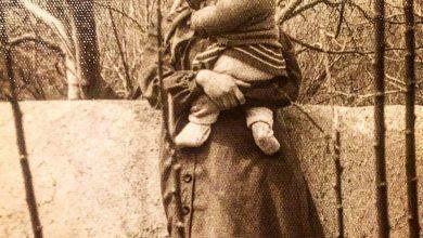 تصویر از عکس کودکی مهراوه شریفی نیا بغل مادرش | دوران کودکی مهراوه شریفی نیا