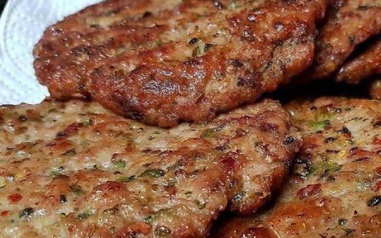 طرز تهیه کتلت گوشت بسیار لذیذ و خوشمزه در دو روش متفاوت
