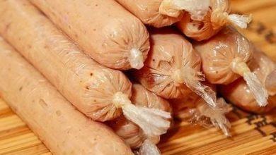 تصویر از طرز تهیه سوسیس خانگی سالم در منزل غذاهای فست فودی درست کنید