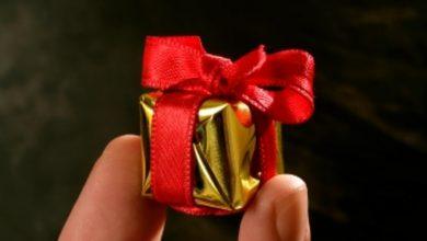تصویر از هدایای نامزدی چیست؟ همه چیز در مورد کادو دادن در دوران نامزدی