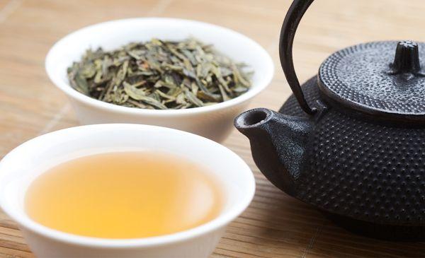 10 خواص اثبات شده چای سبز برای لاغری و سلامتی