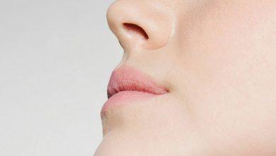 تصویر از چگونه موهای بینی را از بین ببریم؟ راههای رفع موهای زائد داخل بینی