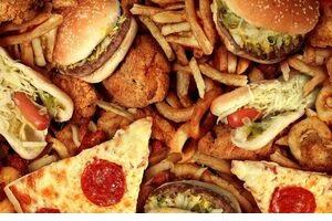 عادتهای غذایی که میتوانند به چهره شما آسیب بزنند