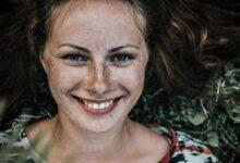 تصویر از زیبایی واقعی یک زن به چه معناست؟ زن شاد و زیبا کیست؟